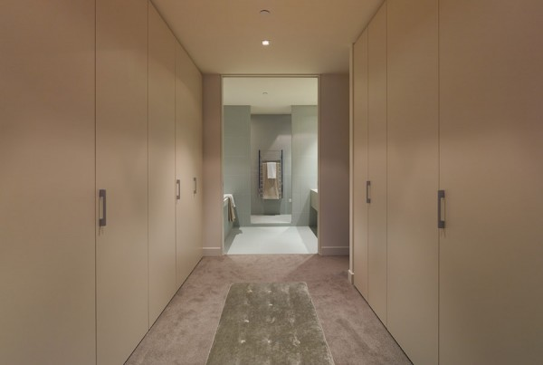 gallery-lifestyle-living-triptych-hallway